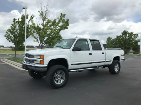 loaded 2000 Chevrolet C/K 2500 Silverado crew cab 4×4 for sale