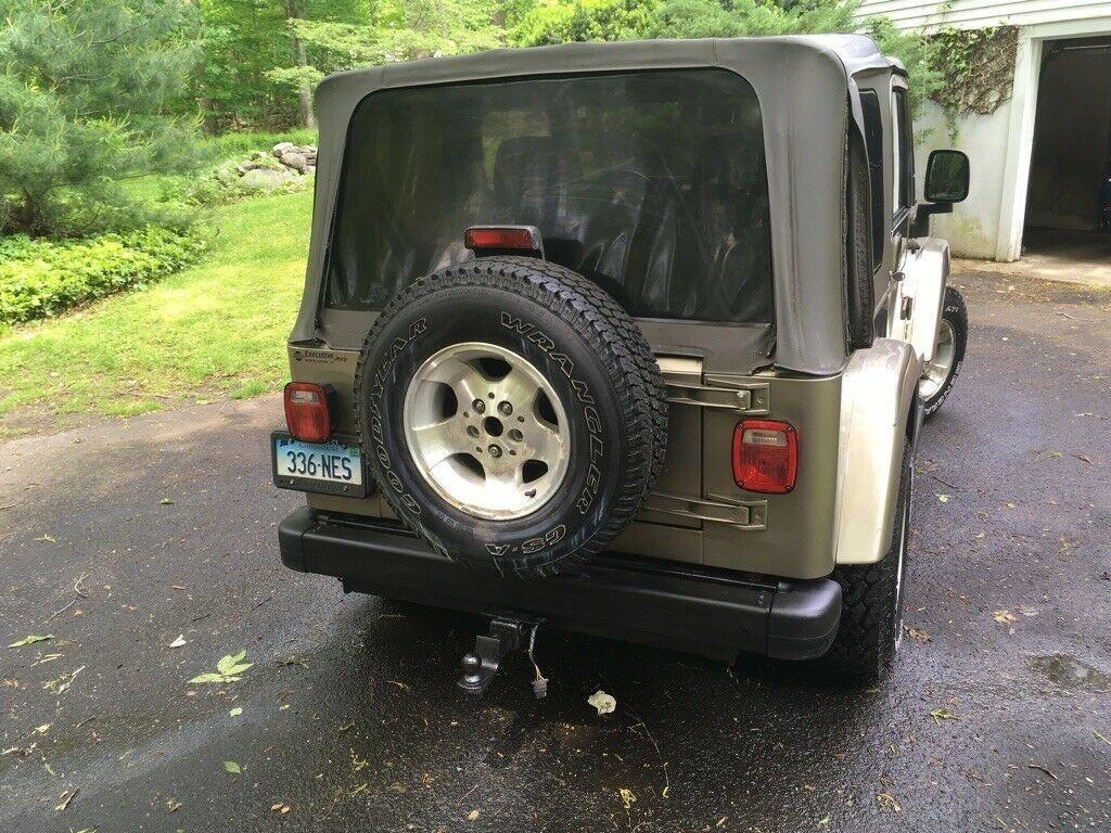 low miles 2003 Jeep Wrangler Sahara 4×4