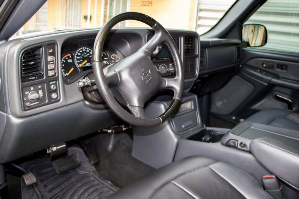 monster hauler 2001 Chevrolet Silverado 3500 HD Dually 4×4