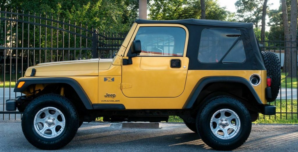 very clean 2003 Jeep Wrangler X 4×4