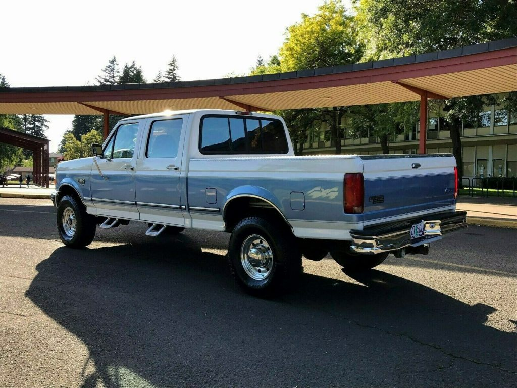 well maintained 1997 Ford F 250 XLT HD pickup 4×4