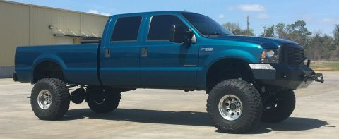 well modified 2000 Ford F 350 XLT pickup 4×4 for sale
