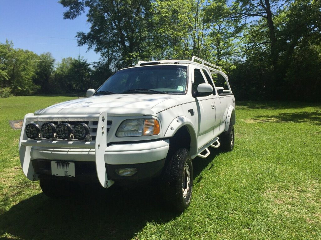 well upgraded 2002 Ford F 150 pickup 4×4