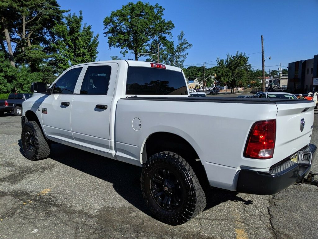 upgraded 2012 Dodge Ram 2500 ST pickup 4×4