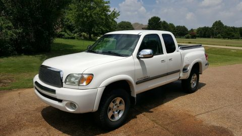 well serviced 2003 Toyota Tundra SR5 4×4 for sale