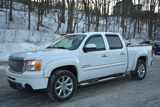 fully loaded 2008 GMC Sierra 2500 pickup 4×4
