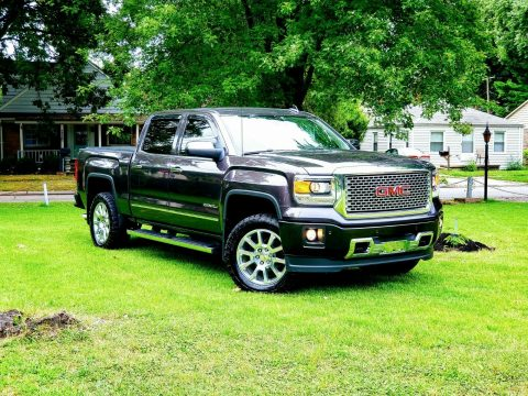 top of the line 2015 GMC Sierra 1500 Denali 4×4 for sale