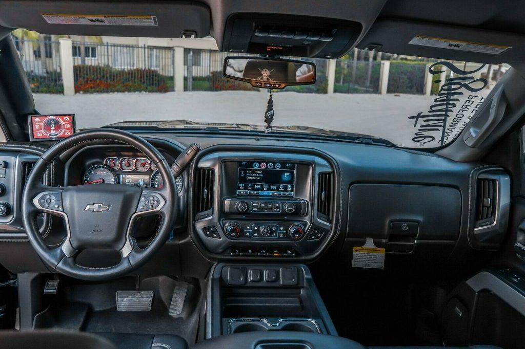 fully loaded 2017 Chevrolet Silverado 1500 LTZ Z71 Midnight Edition 6.2L 4×4