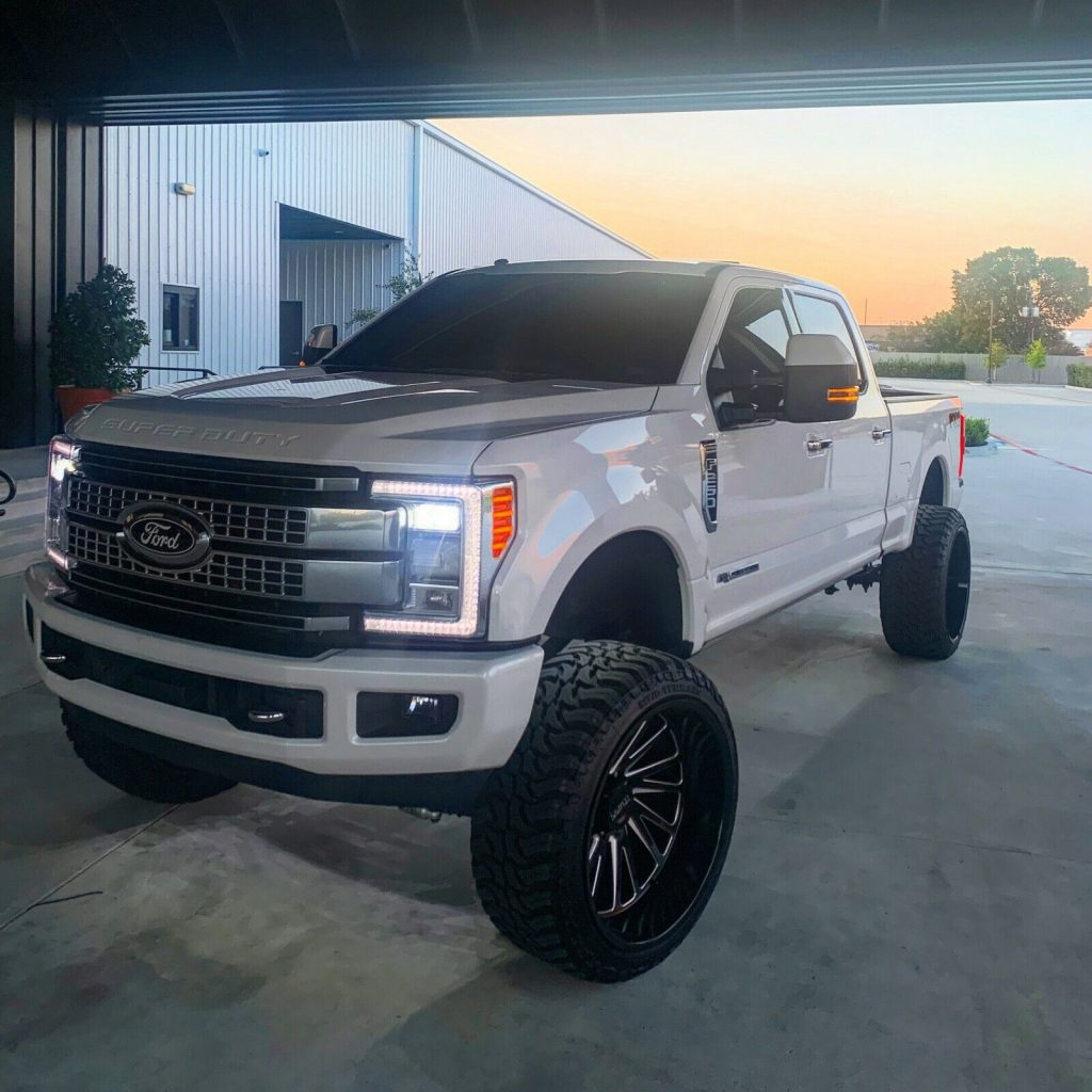 loaded 2017 Ford F 250 4×4
