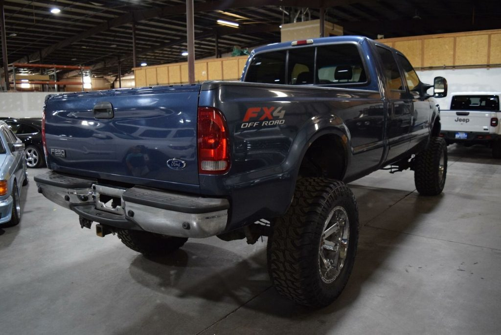 very nice 2004 Ford F 250 Lariat pickup 4×4