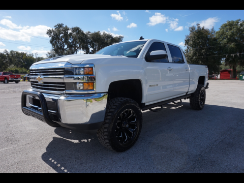 very clean 2018 Chevrolet Silverado 2500 LT 4×4 for sale