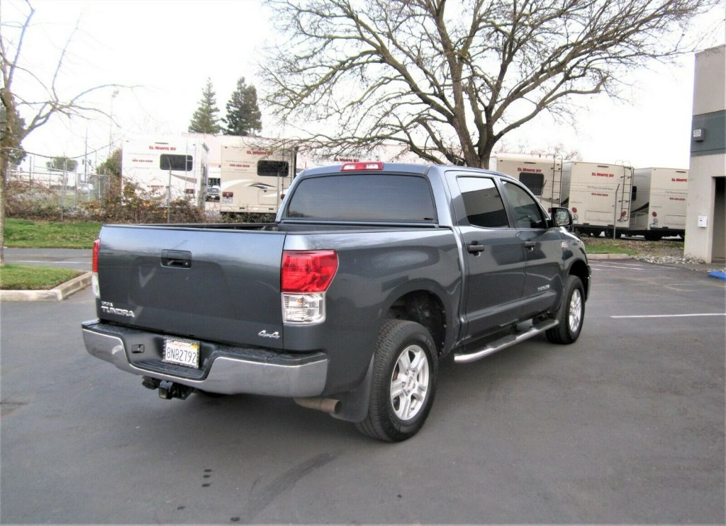 well equipped 2010 Toyota Tundra Grade 4×4