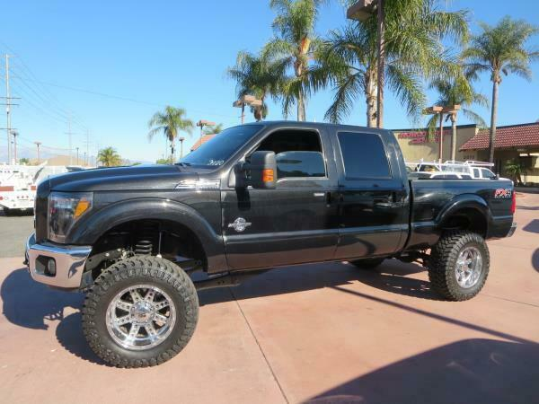 custom lifted 2012 Ford F-250 LARIAT 4×4