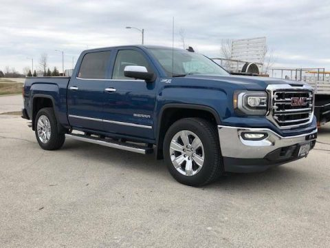 Loaded and low miles 2018 GMC Sierra SLT 1500 4×4 for sale